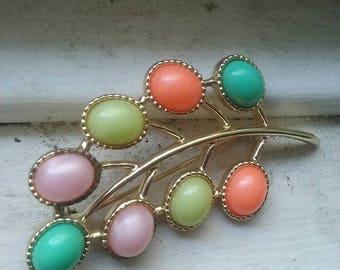 Vintage spring brooch