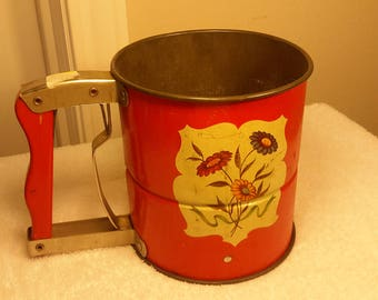 NEVER USED Androck Hand - I-Sift Red with 3 red yellow green Daisies Three Screen Sifter Red wood handle Nice for your antique collection #7