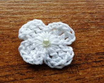 10 White Crochet Appliqué Flowers