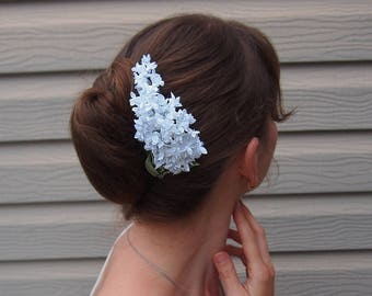Hair comb wedding // Bridal hairpiece / White lilac hair pin / White hair flowers / Bridal hair comb// Silk hair flowers / Unique hairpiece