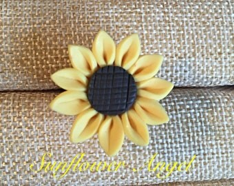 Polymer clay beautiful sunflower brooch.