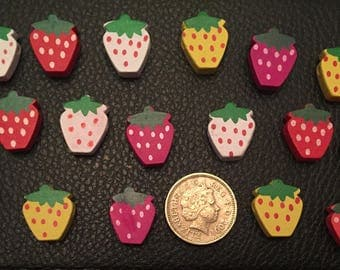Pack of 20 wooden strawberry beads