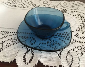 1960's Vereco Tea Cup and Saucer Set of 6 Pieces Made in France