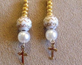 Gold Pearl colored Cross earrings