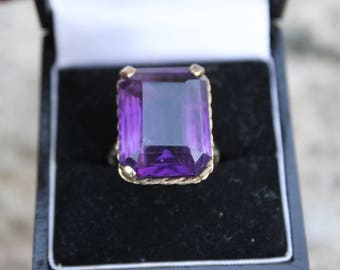 Antique Amethyst 9K Gold Ring
