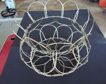 Wire Egg Basket, Old Egg Basket, Vintage Egg Basket, Egg Basket, Farm Egg Basket