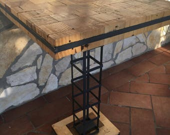 Outdoor side table in FIR