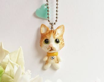 With a small pendant brooch charm of a tabby cat, cat, cat, cat, cat brooch heart,
