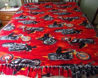 Motorcycle pattern fleece tie blanket