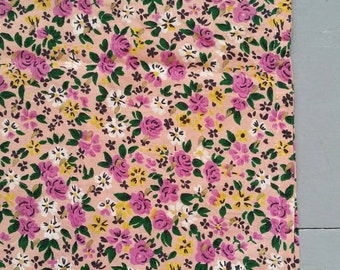 "Cheerful Spring Floral Window Curtain. Vintage Floral Curtain Panel. Vintage Cafe Curtain. 26 x 36"""