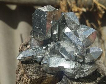 Aluminium Quartz Cluster