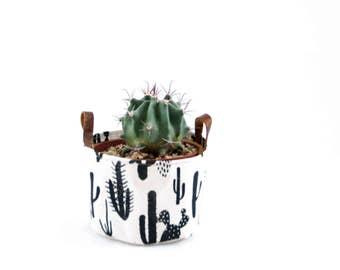 Small Bucket—Cactus Print Natural Canvas