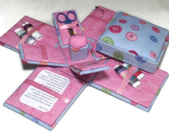 Etui Sewing Kit Needlework Box Lots of Buttons
