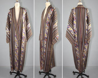 silk robe / vintage kimono / dressing gown / MIXED MEDIA floral and stripe silk kimono