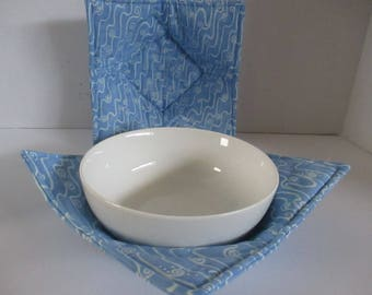 Bowl cozy, microwave bowl cozy, blue, white swirls, kitchen, microwave hot pad, microwave safe, bowl holder, hot pad, table, dining room