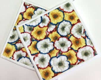 Flowers Potholders Hotpads set of 2 Quilted Kitchen Cooking Handmade Kaffe Summer floral