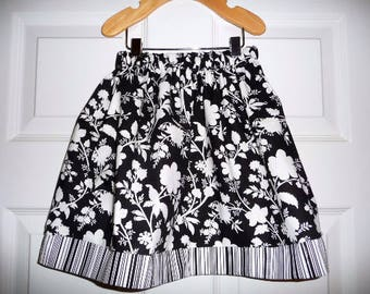 Sample SALE - Will fit Size 3T to 5T - Ready to MAIL - SKIRT - Black and White flower - by Boutique Mia