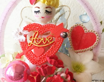 Vintage Valentine Kitsch Basket - Lovely Angel