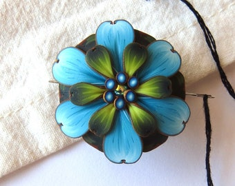 Blue and Green Flower Needle Minder, Magnetic Needle Nanny Sewing Notion Handcrafted from Claybykim