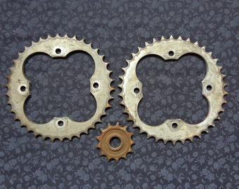 Vintage Industrial Salvage Lot of 3 Metal Cogs for Metal Decor Repurpose Steampunk