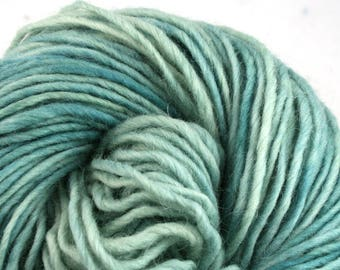 Brunswick Hand Dyed chunky weight 70/30 Corriedale wool Mohair blend yarn 140 yds 4oz Bering