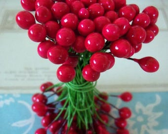 Vintage / Double Ended Floral Stamens / Holly Berries / Unaltered Bunch