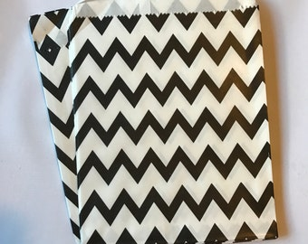 Black and White Chevron Paper Treat Bags, set of 25 Paper Party Favor Bags in Black and White, Size 6x6.5