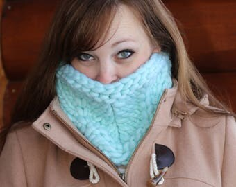 Oversize Knitted Cowl- Mint