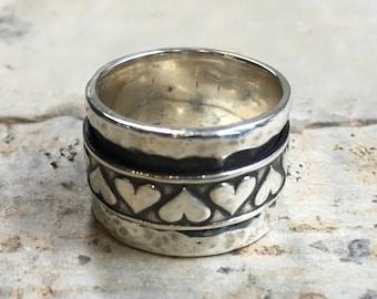 Silver hearts ring, Meditation spinner ring, thumb ring, wedding band, rustic ring, rustic silver band, promise ring - Heartbreaker R2444