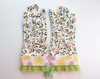 Designer Garden Gloves - Spring Flowers, Green Lace