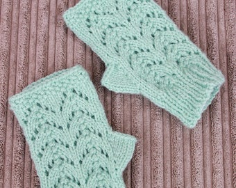 """Instant download knitted """"Isla"""" ladies fingerless gloves pattern FG2"""