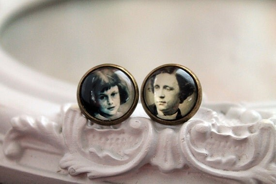Alice in Wonderland Lewis Carroll  stud earrings Victorian sweet lolita feminine