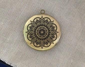 mandala round antique brass locket 32mm  (LD241)