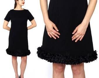 Vintage 1960s Black Scoopneck Short Sleeved Shift Dress with Ruffled Ribbon Hem   Medium/Large