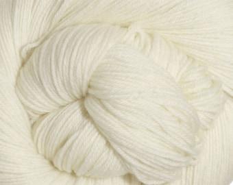 Snow White Cascade Heritage Yarn 437 yards Super Fine Wool Nylon Sock Yarn Color 5618
