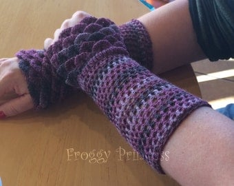 Dragon Scale Gloves Crocodile Stitch Wrist Warmers Gifts for Her Ladies Gloves Made to Order