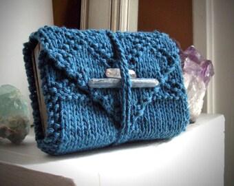 Rainy Blue tarot wrap / knitted tarot wrap / oracle accessories / divination accesory / knit tarot wrap / oracle storage / tarot card mat