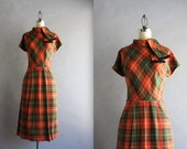 1950s Plaid Fitted Dress / Vintage 50s Toni Hunt Bow Neck Dress / 1940s Plaid Dress