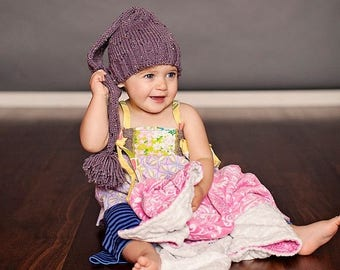 FLASH SALE baby elf  hat 0 - 6 months -  great photo prop
