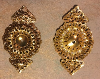 Gorgeous filagree vintage brass dapped brooch pieces ~ 5 pieces total