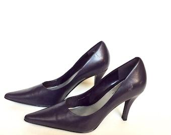 Vintage Ladies Size7M Deep Plum Heels