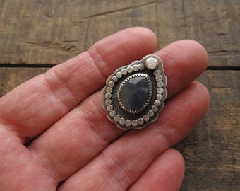 Blue sapphire ring, sapphire ring by teresamatheson