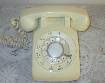 Vintage Rotary Dial Phone Desk Telephone 1967 500 Cream With 4 Prong Plug
