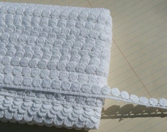 """White Venise Lace - Small Circle Teardrop Pattern - 7/16"""" Wide"""