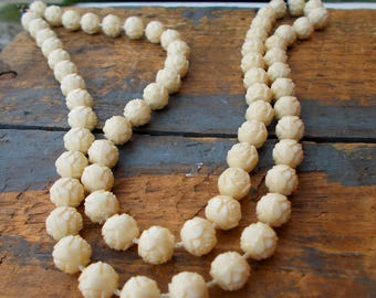 Carved Rose White Rose Bead Strand Necklace / Bohemian Wedding  / White Rose Vintage Style