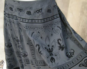 Vintage Black  Skirt With Velvet Designs