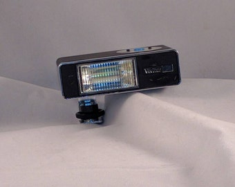 Vivitar 151 flash with cord and case