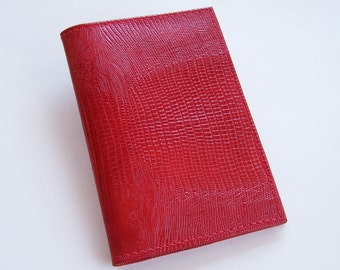 Top-Stub Checkbook Cover - Bright Red Lizard Grain Leather - Leather Checkbook Holder