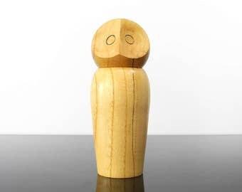 Wooden Owl figurine / movable head / Vintage