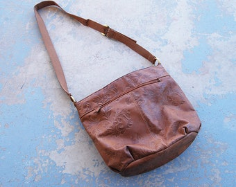 vintage 80s Purse - Boho Embossed Leather Bag - 1980s Hobo Bag Shoulder Bag